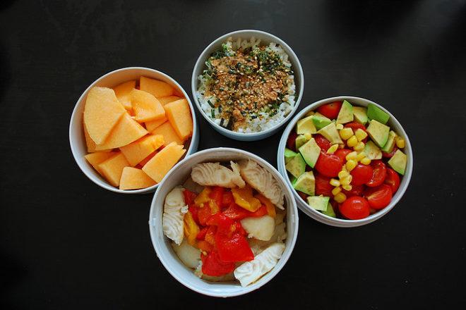 pește cu morcov, mazăre și cartof dulce