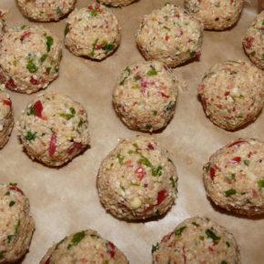 Chiftele din năut (falafel) în sos tomat (de la 1 an)