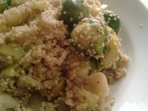 quinoa cu legume la cuptor