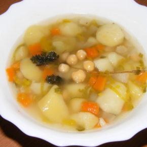 Supă de cartofi cu năut (de la 1 an)