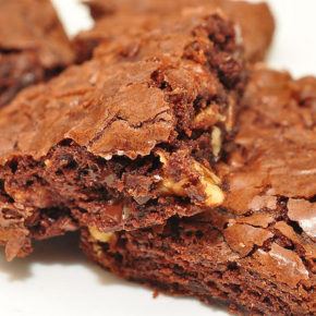 Prăjitură rapidă cu gem sau blat de tort