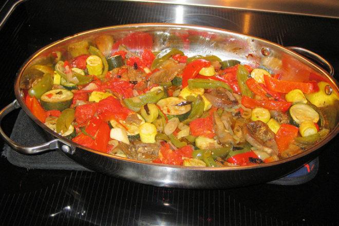 legume de vară la cuptor