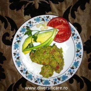 Pate de avocado cu gălbenuș (de la 8 luni)
