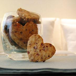 biscuiți cu merișoare și nuci