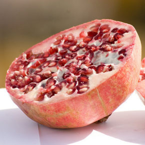 Rodie, fruct dulce-acrișor furnizor de vitamine