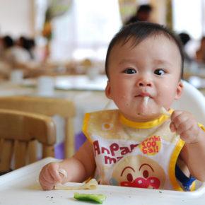 Autodiversificarea sau când bebeluşul se hrăneşte singur