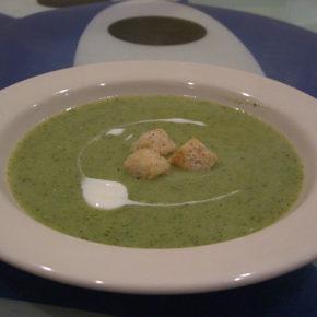 Supă cremă de broccoli (de la 10 luni)