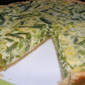 tartă cu dovlecei și fasole verde