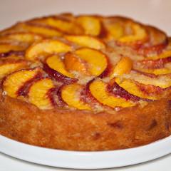 Prăjitură cu fructe și bezea (de la 3 ani)