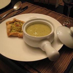 Supă cremă de dovlecei cu busuioc (de la 1 an)