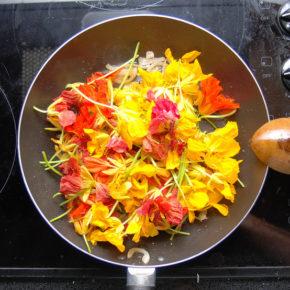Flori comestibile care nu trebuie trecute cu vederea