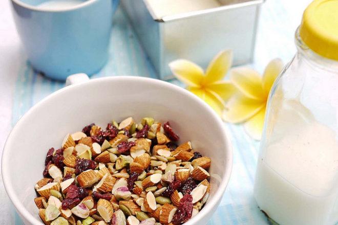 mix de nuci și semințe coapte