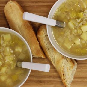 Supă de praz și cartofi (de la 1 an)