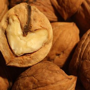 Ulei de nuci, sănătate și bun gust
