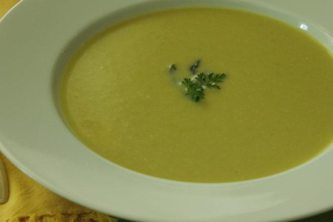 supă-cremă de sparanghel
