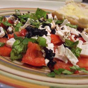 salată cu mozzarella
