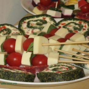 ruladă de spanac cu brânză și ardei