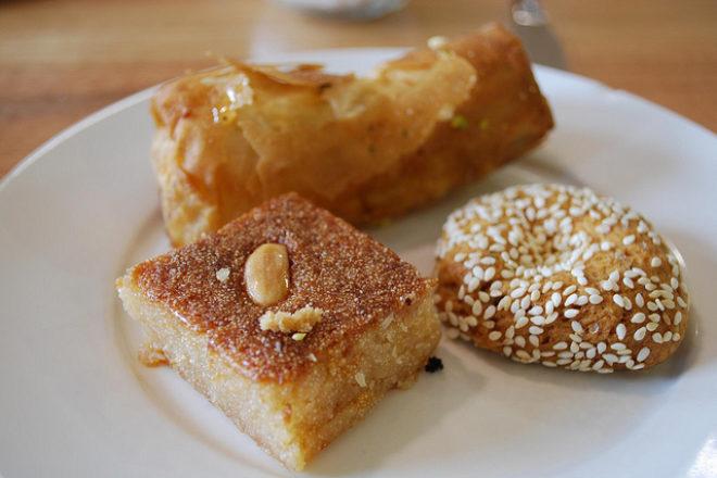prăjiturele cu migdale și susan