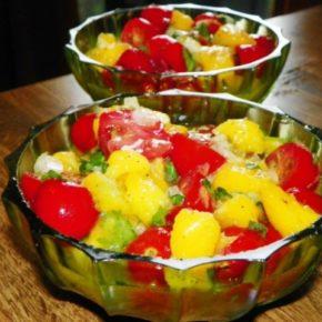 Salată de mango (de la 1 an)
