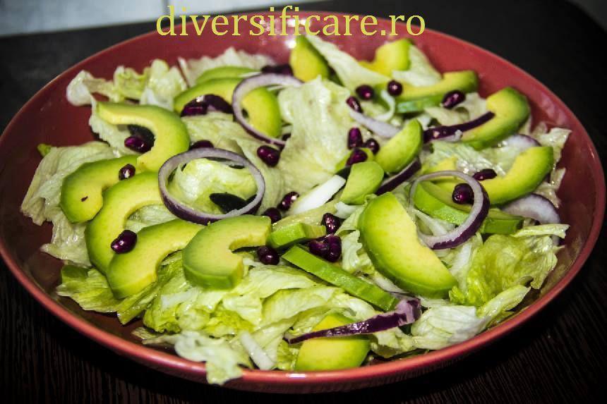 salata iceberg cu avocado