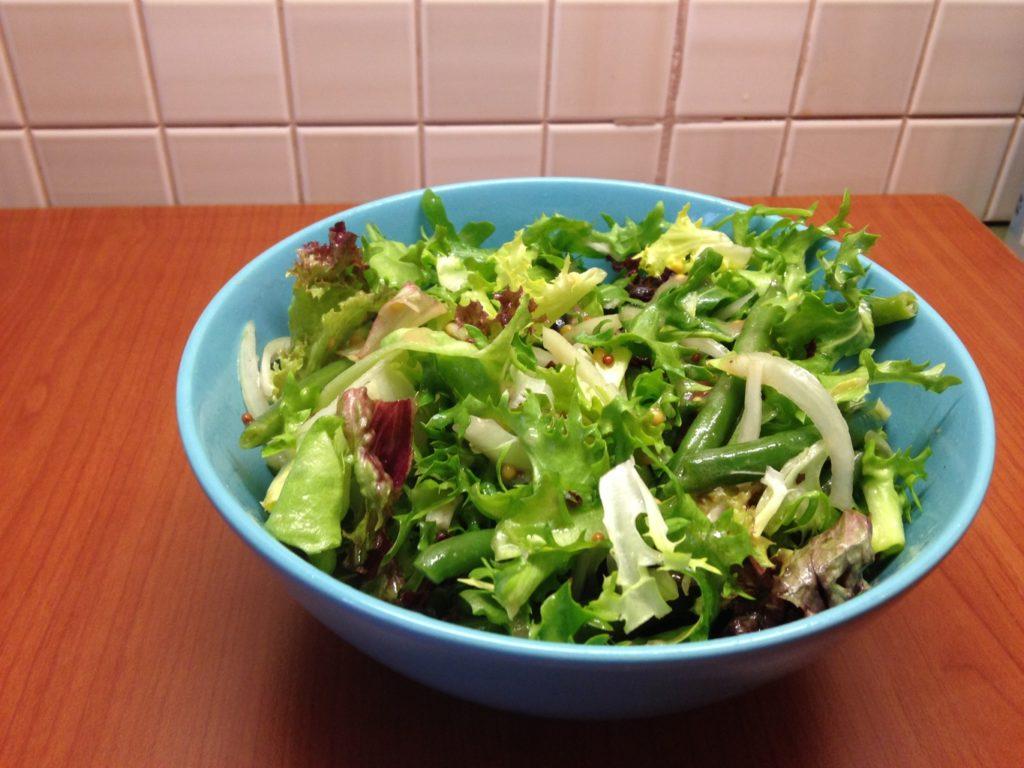 salată de rucola şi fasole franţuzească
