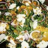 Salată de rucola şi mozzarella (de la 1 an)