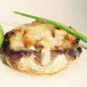 ciuperci umplute cu ricotta