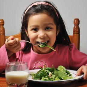 3 rețete de salată pe care cei mici le vor adora