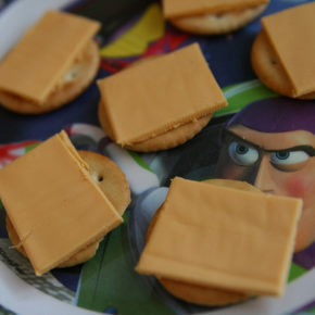 Brânza topită, pericolul din sandvişuri