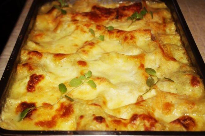 Lasagna cu ciuperci și sos alb