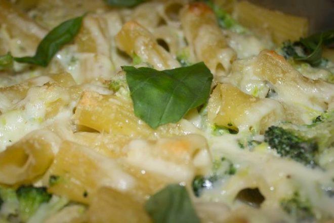 Paste cu dovlecei și broccoli la cuptor