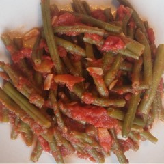 Păstăi cu sos de roșii (după 1 an)