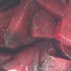 Sfeclă coaptă cu măghiran și usturoi (de la 1 an)