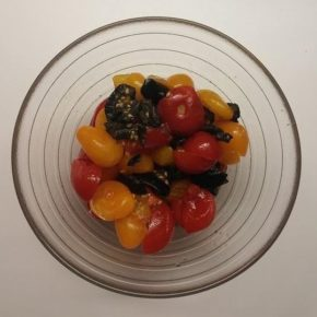 Salată de roșii cherry cu măsline