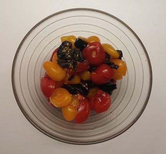 salată de roșii cu măsline