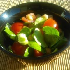 Salată de năut cu praz și roșii (de la 10 luni)