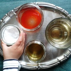 Spumă colorată – Experiment cu bicarbonat de sodiu