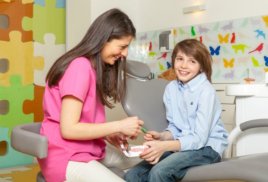Trainer dentar - primul aparat ortodontic al copilului tău