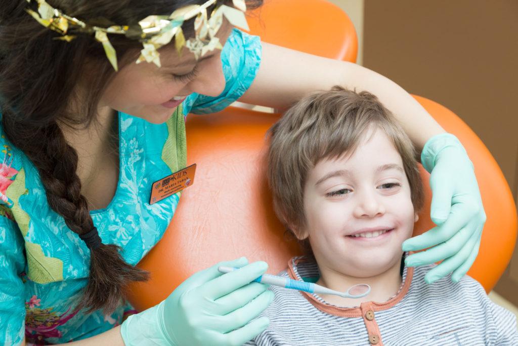 10 sfaturi de la medicul dentist pediatru