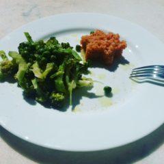 Quinoa cu broccoli și mazăre (de la 8 luni)