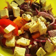Salată de vară cu tofu (de la 1 an)