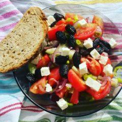 Salată grecească (de la 1 an)