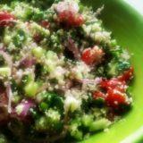 Salată curcubeu cu legume și cuş cuş (de la 8 luni)