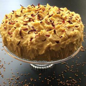 Tort cu glazură de mango, raw vegan