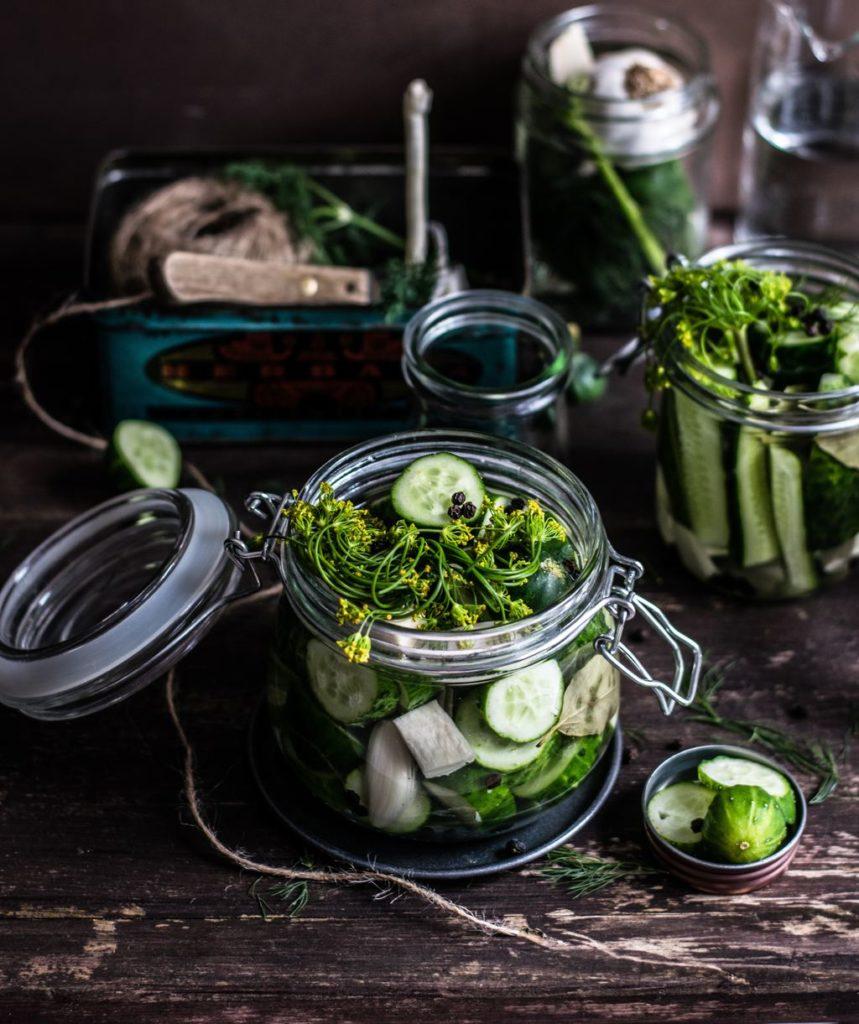Conserve de legume și fructe